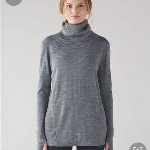 Lululemon merino wool turtle neck sweater w pocket